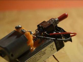 """制作一个自带鬼畜的""""机器蜘蛛"""""""