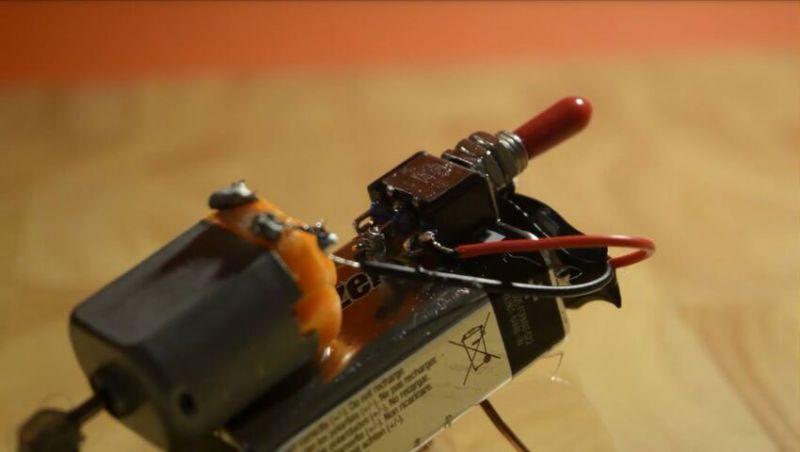 """科技小制作:自带鬼畜的""""机器蜘蛛"""""""