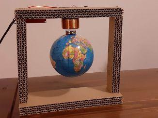 用电磁铁 DIY 磁悬浮地球仪