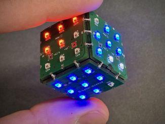 PIKOCUBE:带 LED、陀螺仪,WiFi 控制的可编程骰子