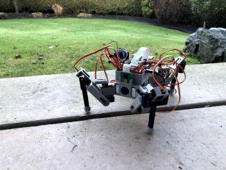 3D 打印的树莓派蜘蛛机器人